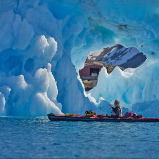 Kayak & Icebergs