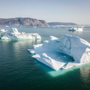 Partout des icebergs immenses!